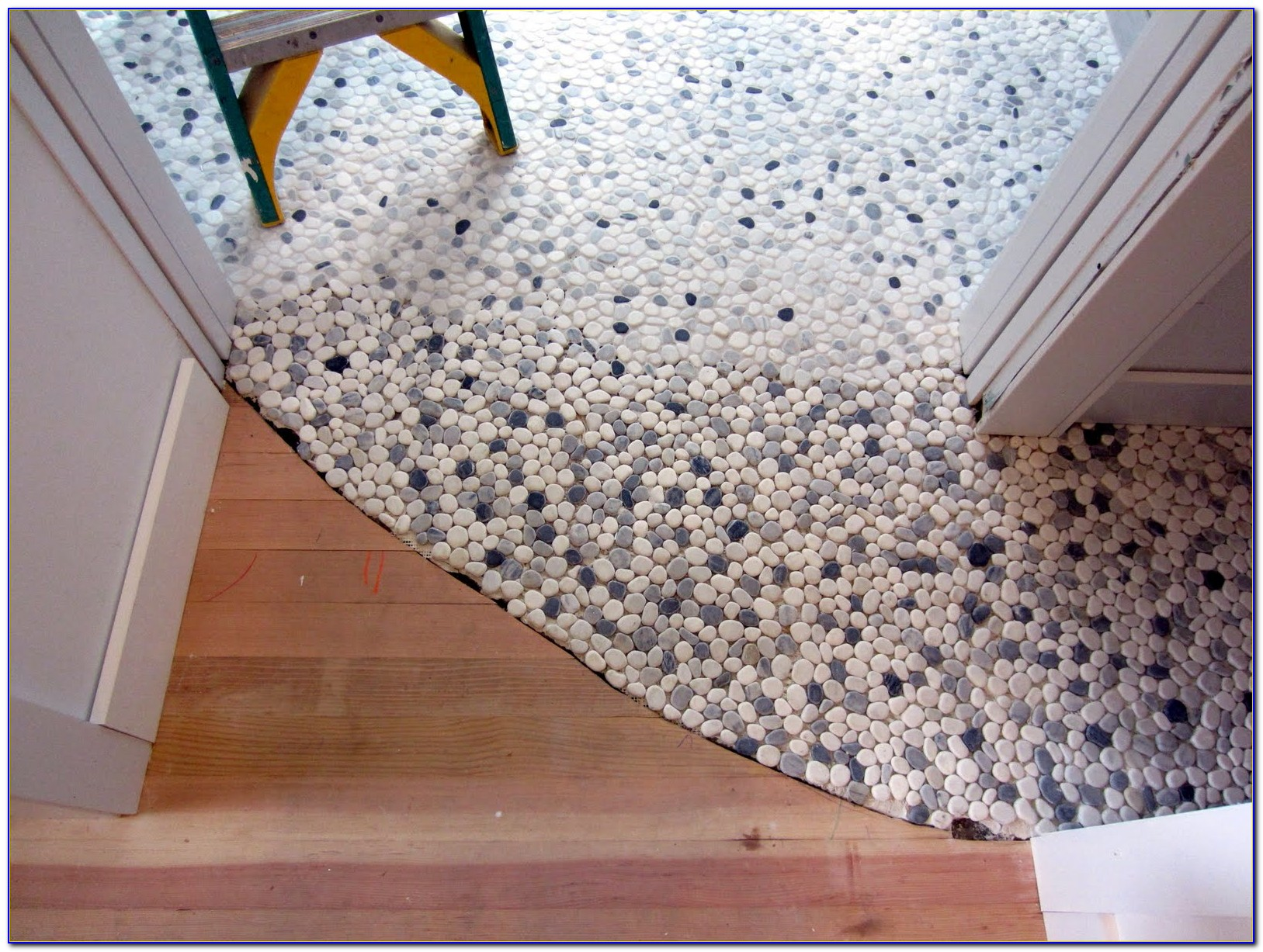 Pebble Stone Tile Flooring
