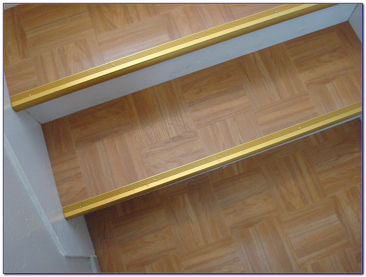 Peel And Stick Laminate Wood Flooring