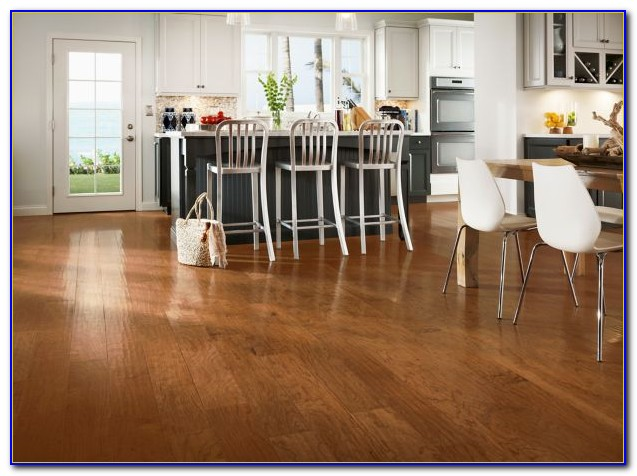 Wide Plank Oak Vinyl Flooring