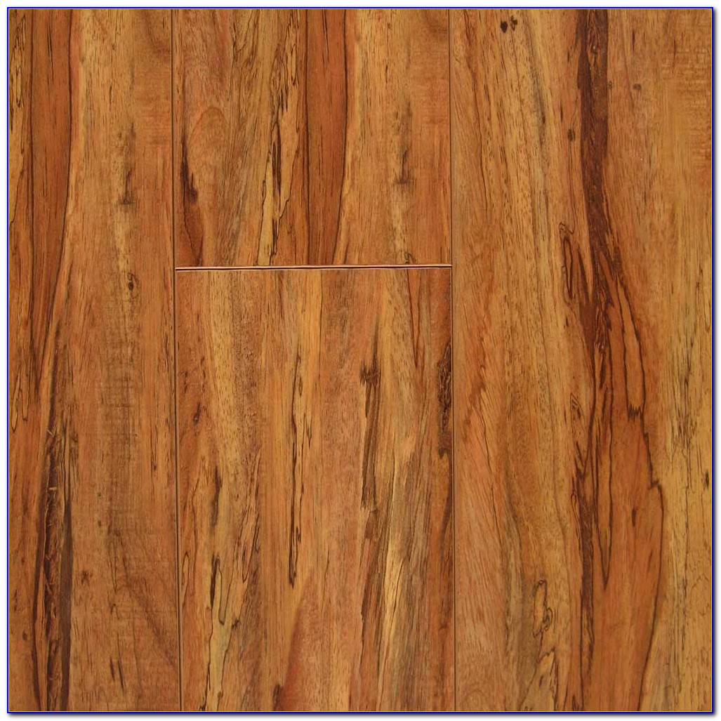 Country Natural Hickory Laminate Flooring