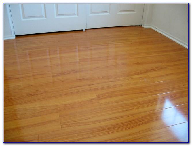 Golden Oak Effect Laminate Flooring