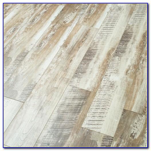 Quickstep Classic Bleached White Oak Qsm032 Laminate Flooring