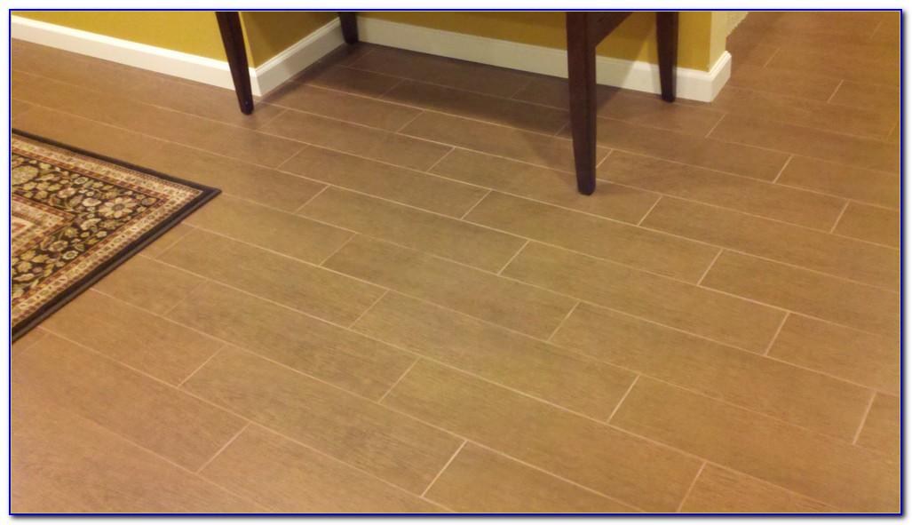 Random Wood Tile Floor Pattern