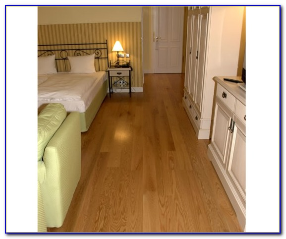 Red Oak Laminate Flooring Uk