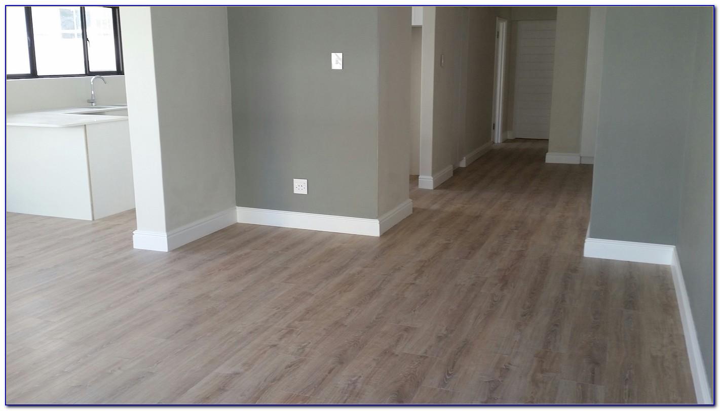 White Washed Oak Vinyl Flooring