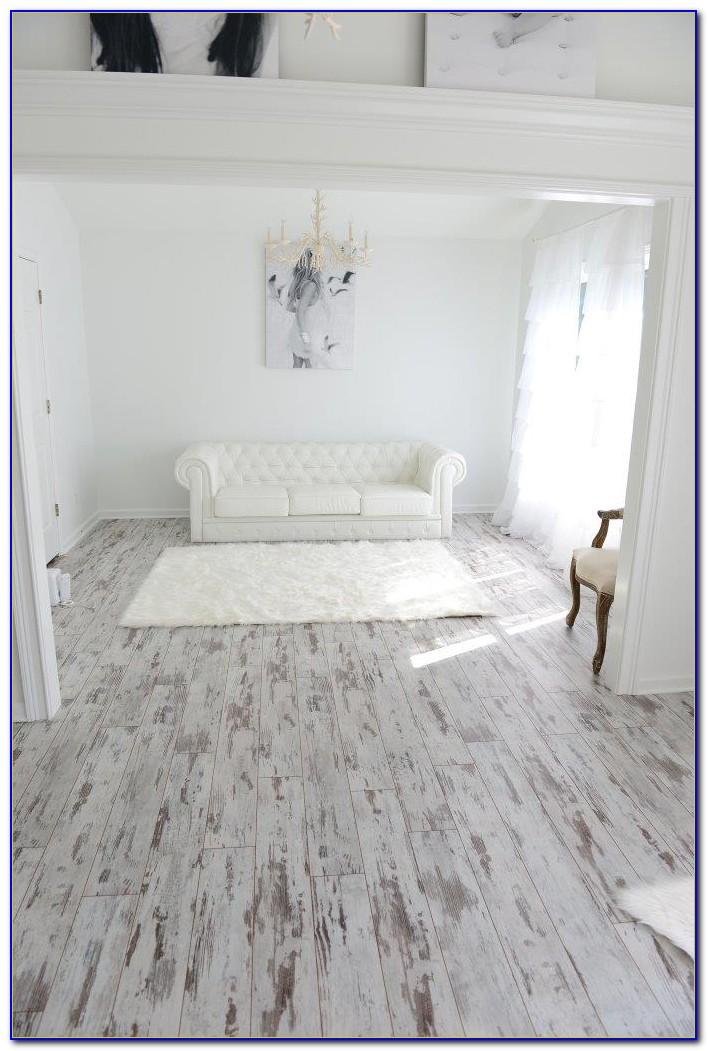 White Washed Wood Effect Vinyl Flooring