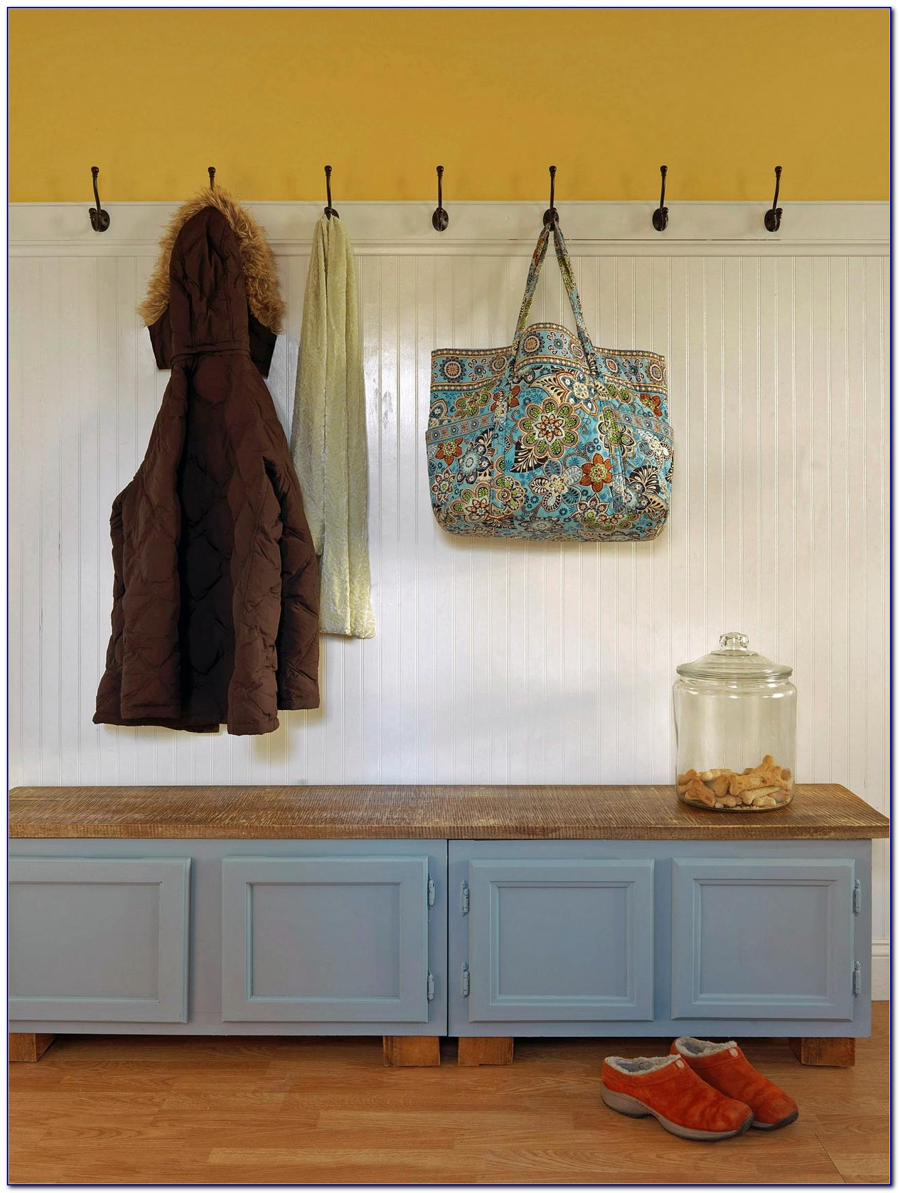 Build A Simple Mudroom Bench