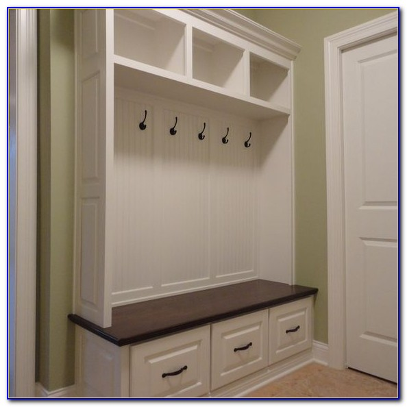 Built In Mudroom Bench Ideas