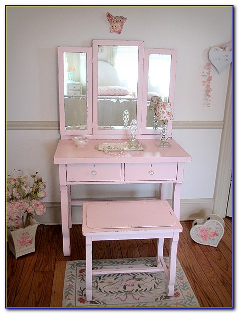 Classic Vanity With Tri Fold Mirror And Bench