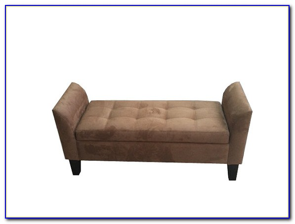 Tufted Bench With Back And Arms