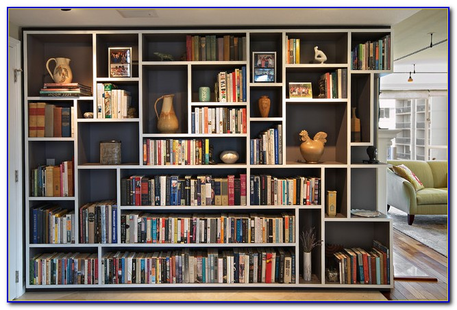 Living Rooms With Bookshelves
