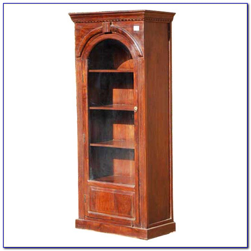 Pulaski Storage Bookcase With Cabinet