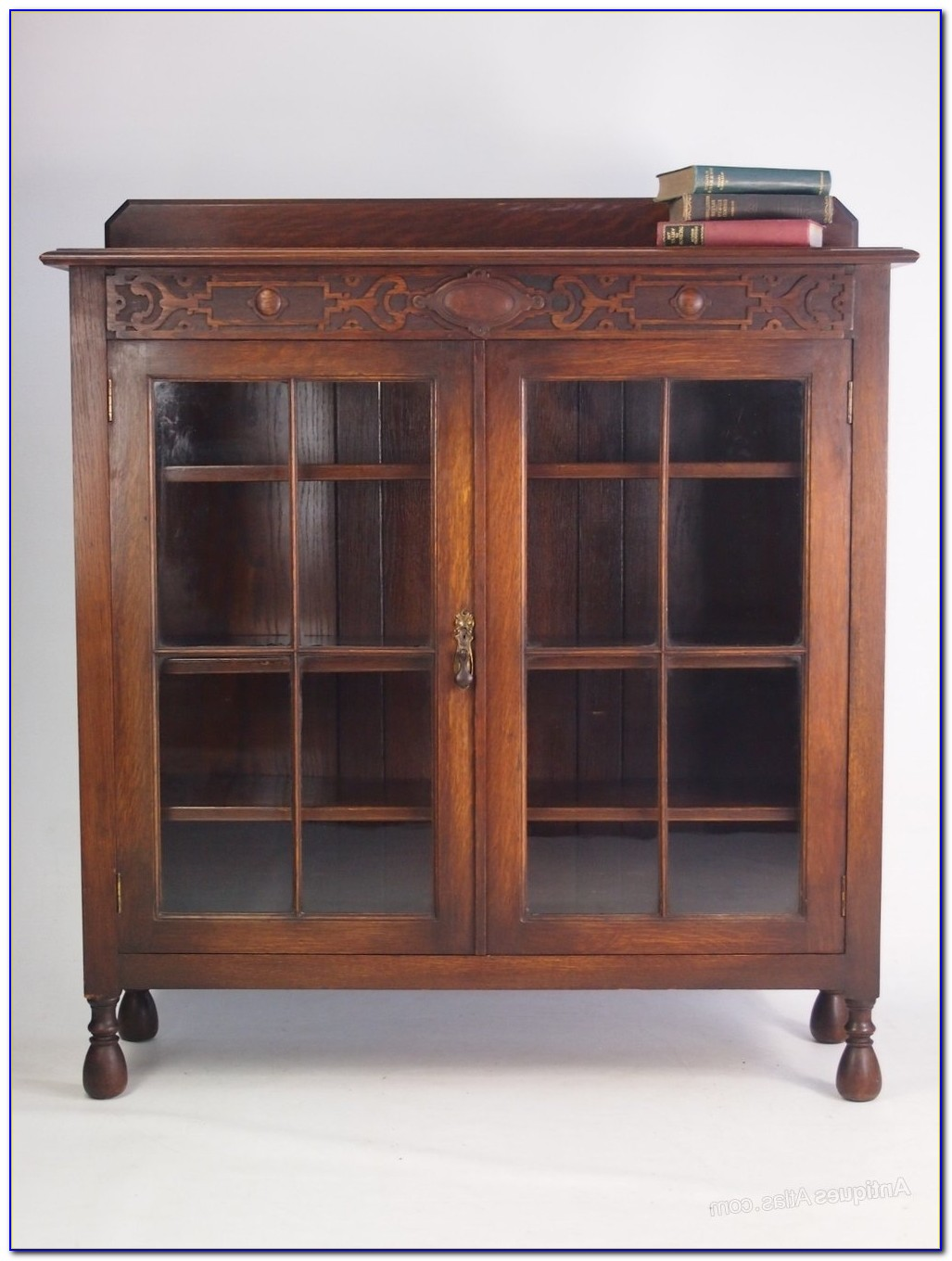 Antique Oak Bookcase With Ladder