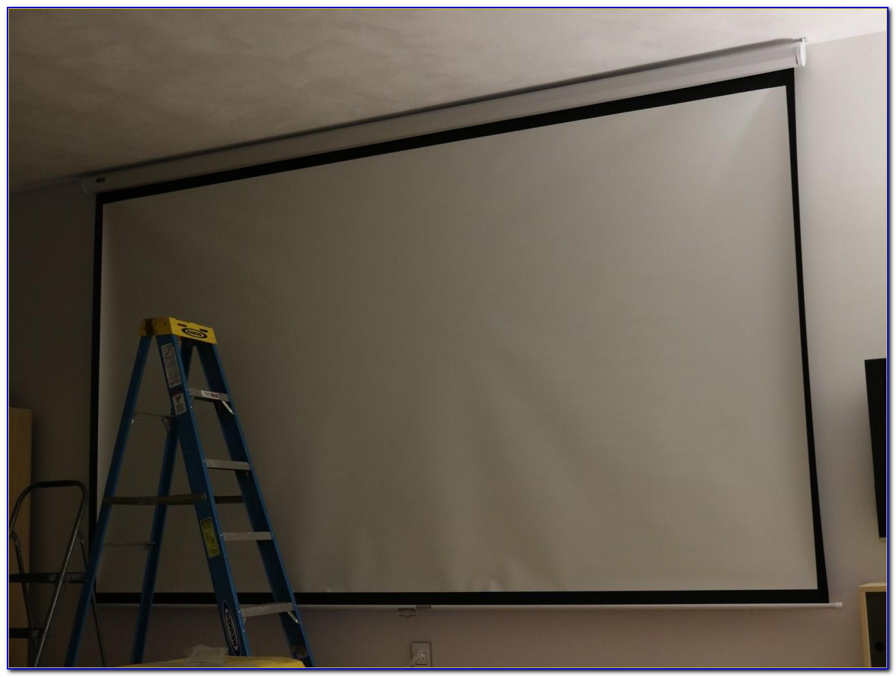 Ceiling Mounted Screen For Projector
