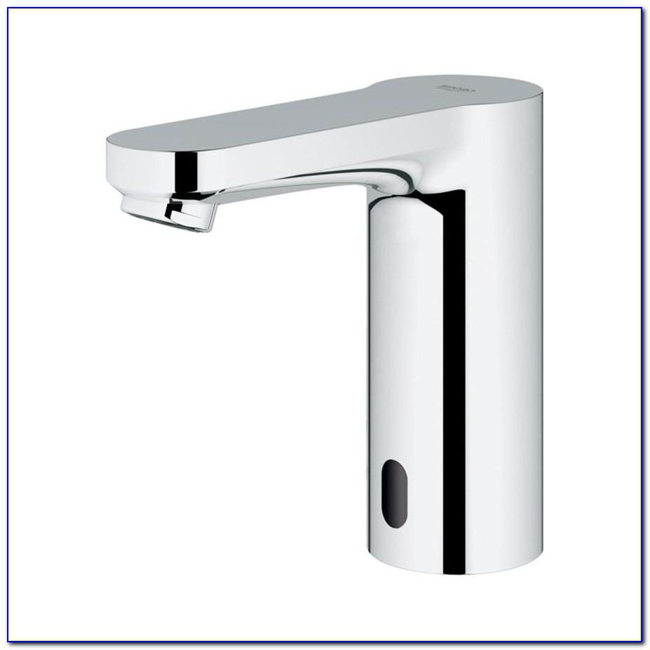 Delta Chrome Touchless Bathroom Sink Faucet