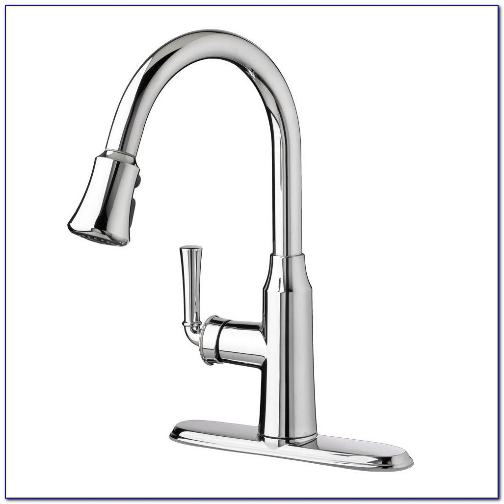 Delta Izak Single Handle Pull Down Sprayer Kitchen Faucet