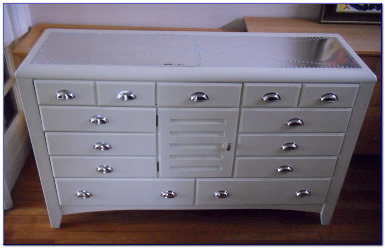 Dresser With Two Small Drawers On Top
