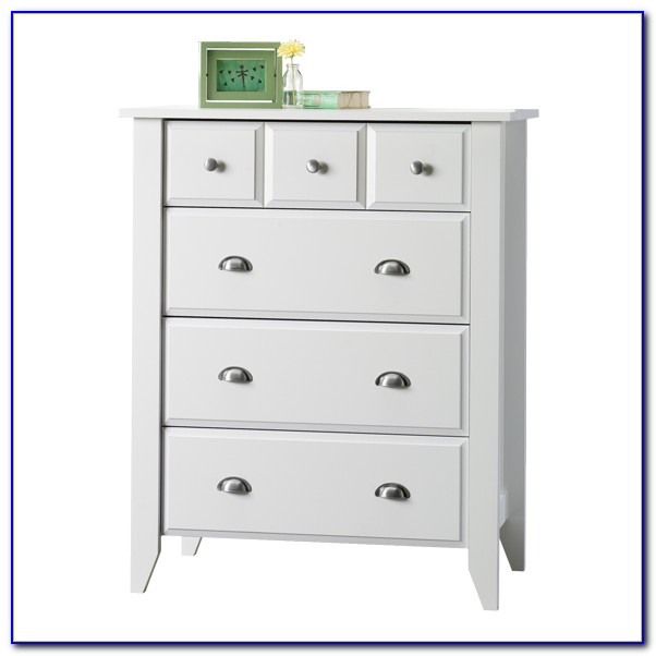Sauder Shoal Creek Dresser And Mirror Set In Soft White