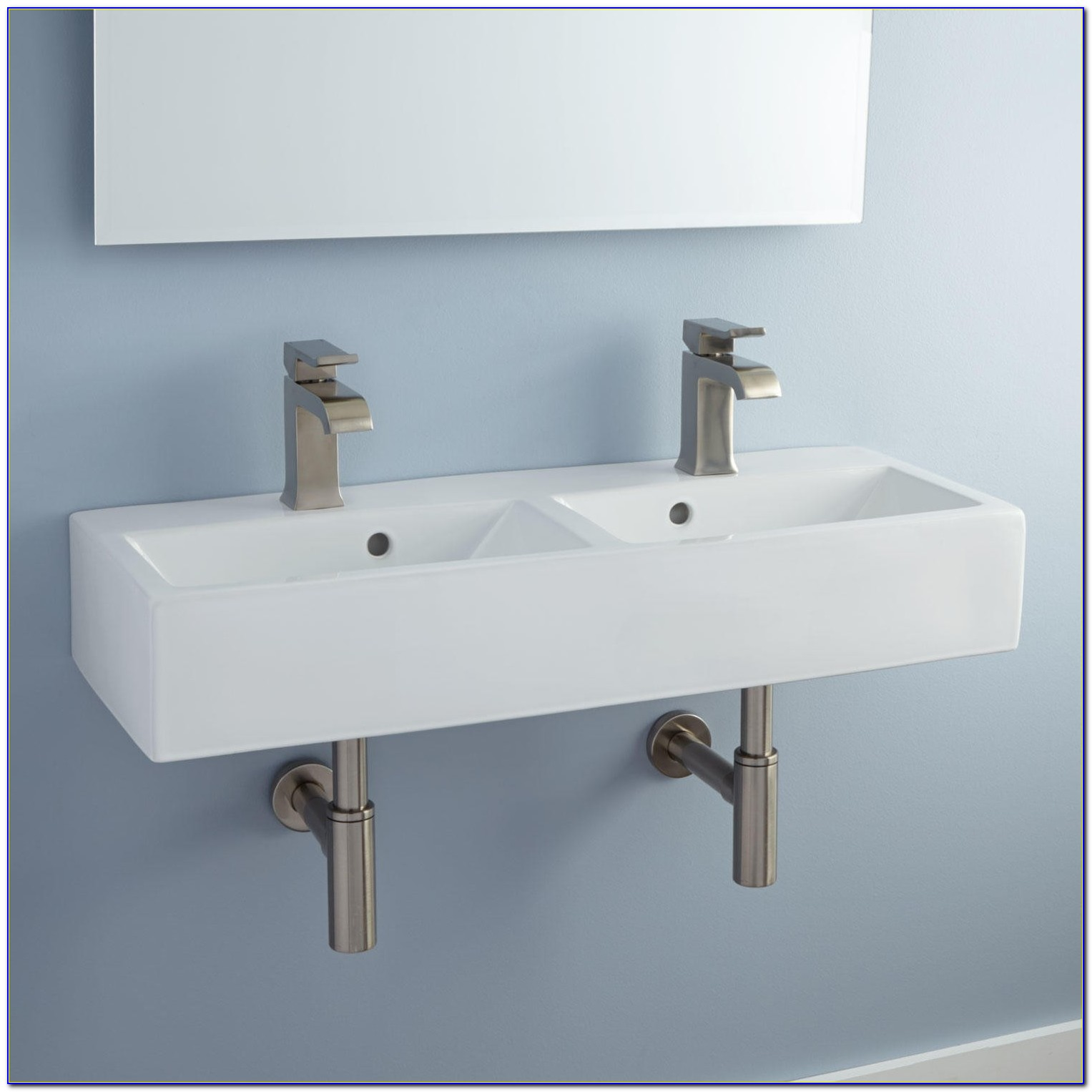 Wall Mount Sink Faucet With Sprayer