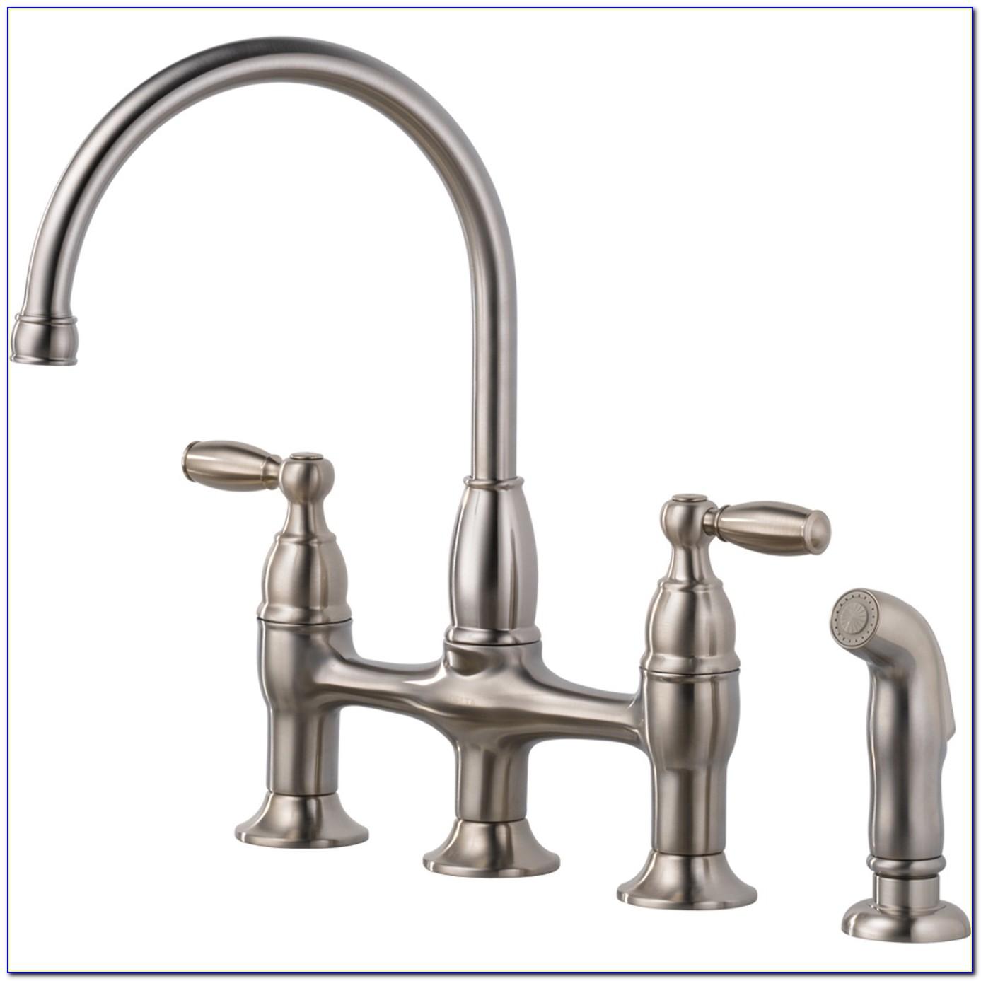 Kitchen Sink Faucet Spraying Water