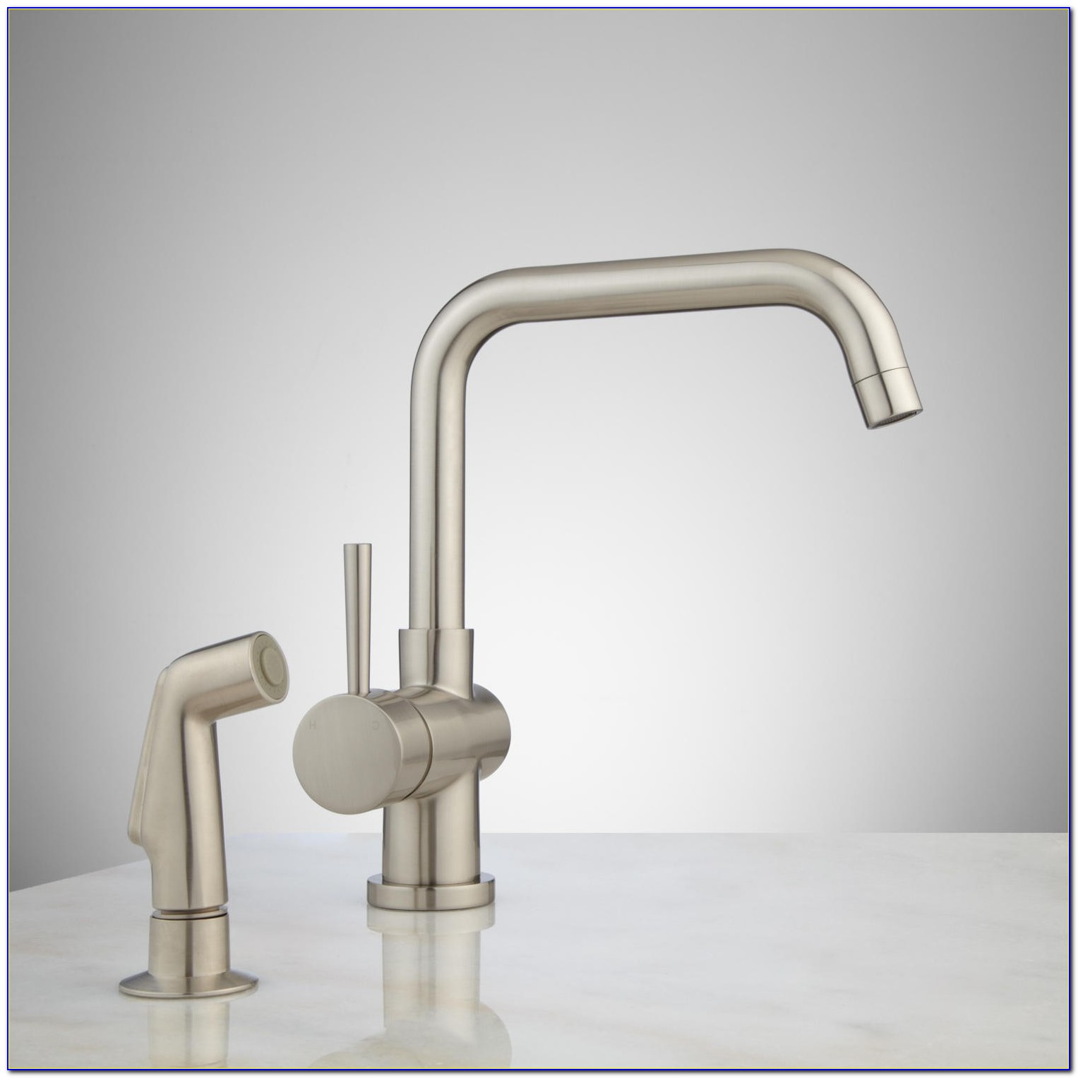 One Hole Kitchen Faucet With Sprayer