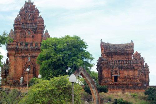 Hành trình núi, gió, cát, sóng và đền tháp Champa - 10
