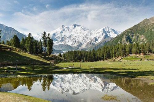 Chinh phục những ngọn núi nguy hiểm nhất thế giới - 5