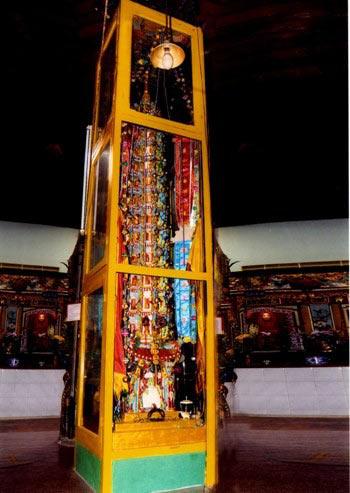 8 cây nến khổng lồ trong chùa Đất Sét ở miền Tây - 5