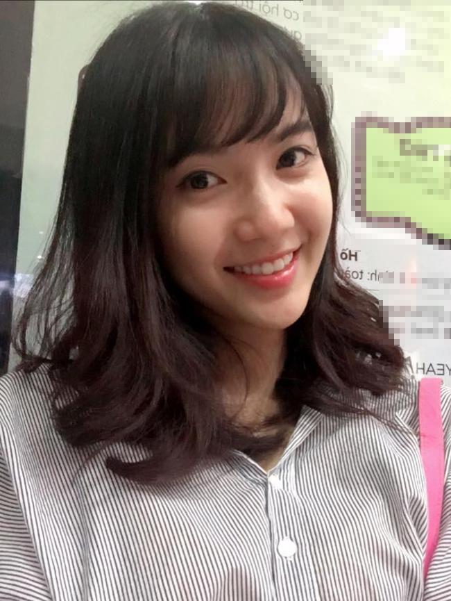 Jang Mi cho biết, cô thích mặc những bộ trang phục thoải mái khi đi chơi cùng bạn bè, nhất là sơ mi rộng.