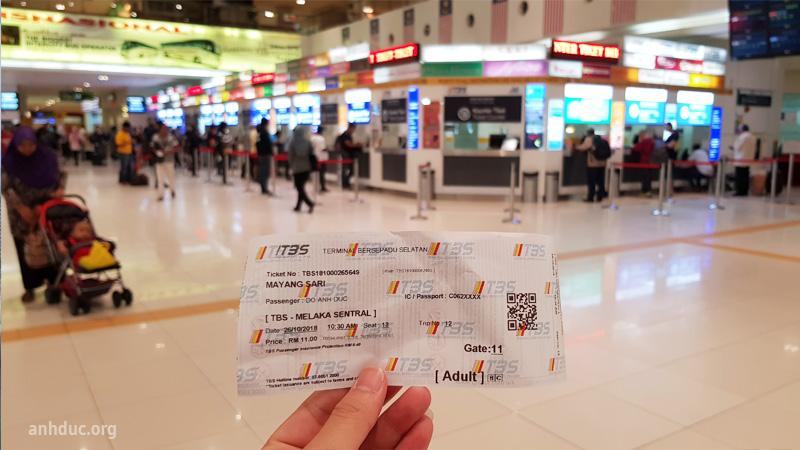 Vé xe khách đi Malacca, quẹt mã QR code trên vé để vào sảnh chờ
