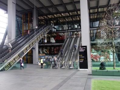 Eingangsbereich des Leadenhall-Buildings.den