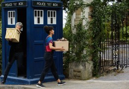 Doctor Who S10 - TX: 06/05/2017 - Episode: Knock Knock (No. 4) - Picture Shows: The Doctor (PETER CAPALDI), Bill (PEARL MACKIE) - (C) BBC/BBC Worldwide - Photographer: Simon Ridgway