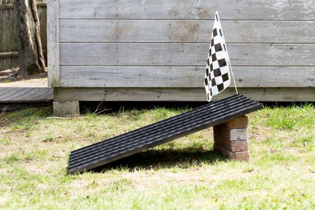 Let's Fête DIY Race Track
