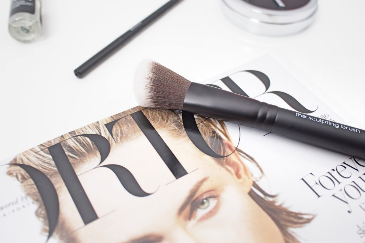 Rodial sculpting brush