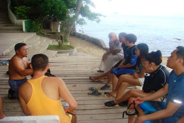Dive_Resort_Anilao_scuba_diving_02