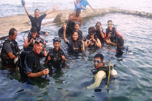 Dive_Resort_Anilao_scuba_diving_in_anilao_02
