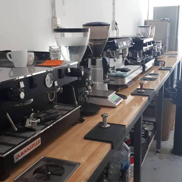 Barista training. Alquiler de máquinas de espresso para baristas
