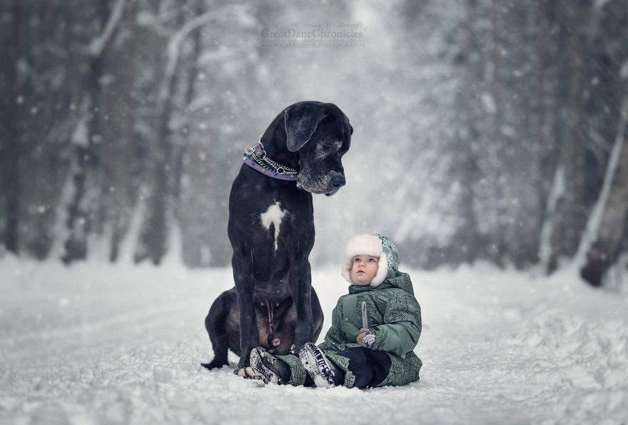1-heart-melting-pics-of-kids-and-their-huge-pets