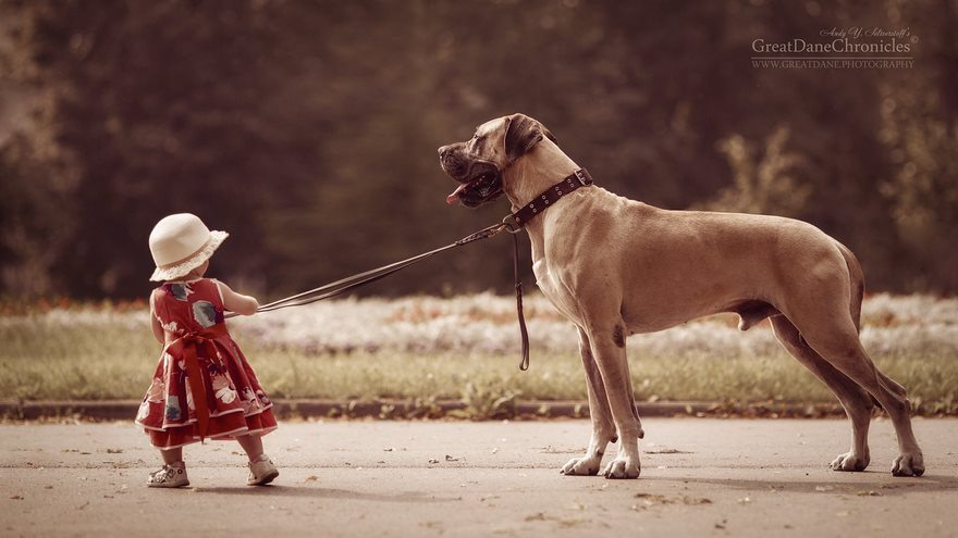 9-heart-melting-pics-of-kids-and-their-huge-pets
