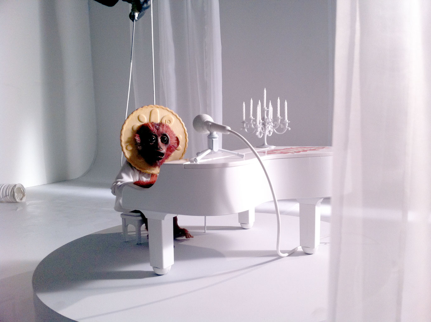 Jammie Dodger puppet still from TV ad