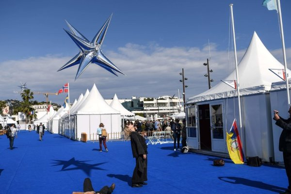 Mel Gibson's 'Rothchild' Movie? There Are More Bizarre Films for Sale at Cannes