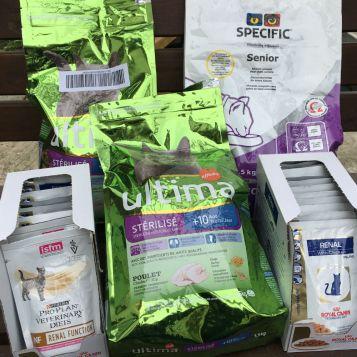 Notre marraine Luce et notre bénévole Evelyne ont collecté de la précieuse nourriture pour nos séniors. Merci !