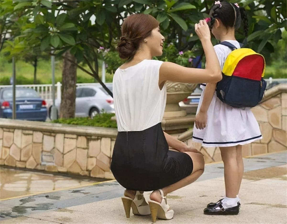 「老師,您穿這個不合適」,老師穿JK上課引熱議,尊重自由?