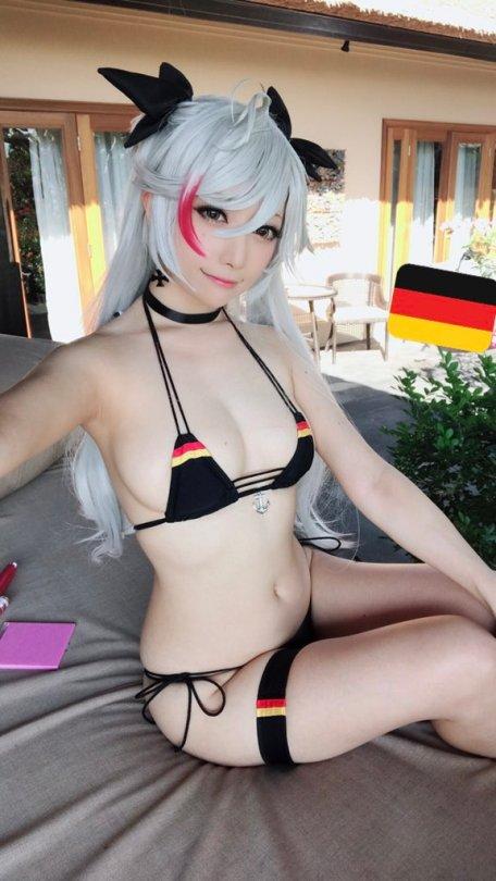 Prinz Eugen Bikini Cosplay af Saki Miyamoto