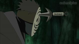 Minato Throw Kunai at Tobi