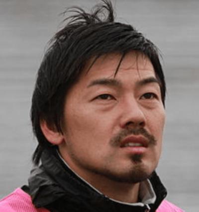 松井大輔は圧倒的なドリブルテクニックでファンを魅了!チーム遍歴や年俸は?