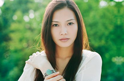 yuiが改名した理由は事務所との方向性の不一致?離婚を経てよりエネルギッシュに!