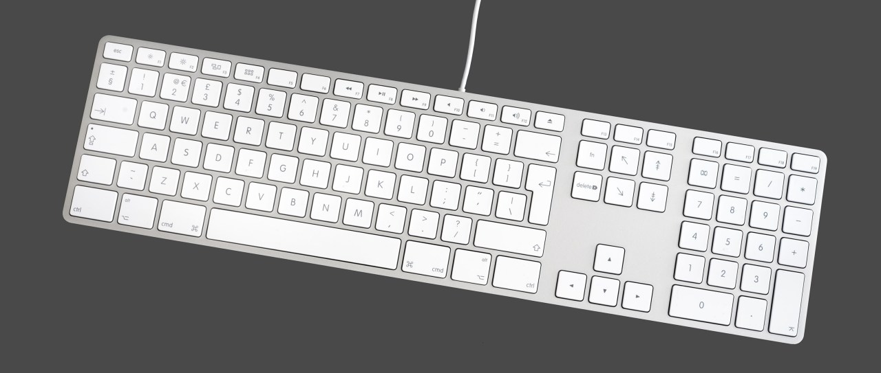 Apple_Keyboard_with_Numeric_Keyboard_9612