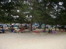 lesehan di pantai manggar segara sari