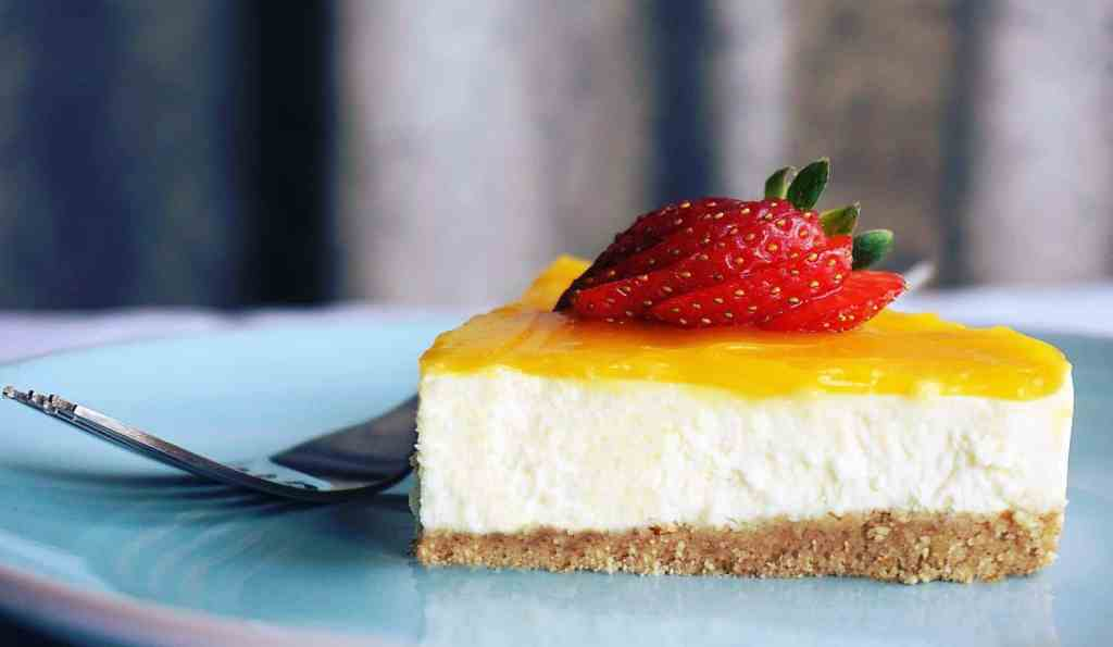 Cheesecake with strawberry topings